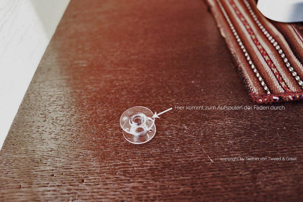 Tipps zum Ober- und Unterfaden einfädeln: Unterfadenspule Tweedandgreet
