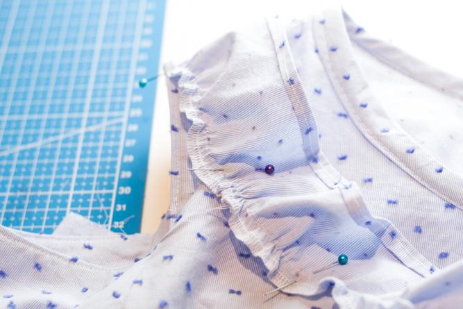 Anleitung Rüschenstreifen einsetzen Bluse - Tweed & Greet