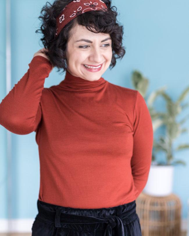 Samthose Wrapped nähen Outfit mit Schnittmuster Rollkragenpullover Modular