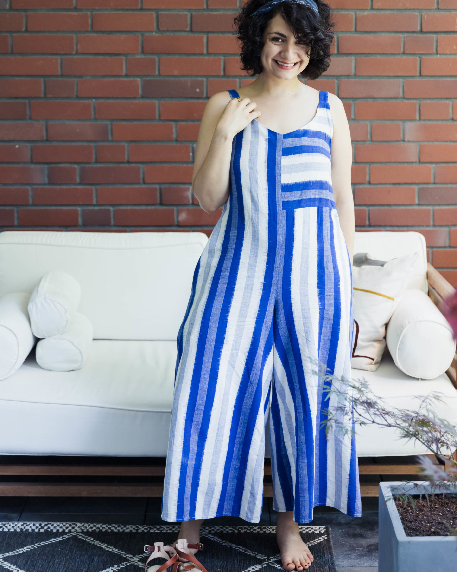 Jumpsuit nähen gestreifter Amy Jumpsuit Schnittmuster von Closet Case Patterns - Tweed & Greet