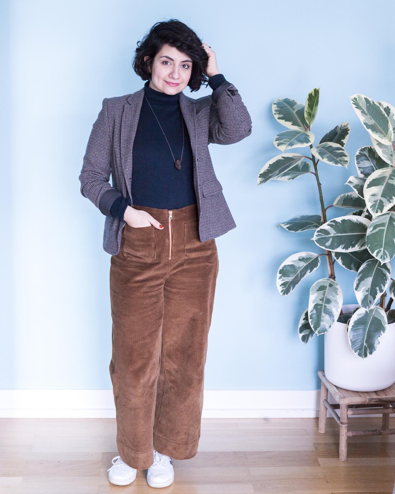Outfit Schnittmuster Rollkragenpullover Modular und Schnittmuster High Waist Hose Lola aus Cord